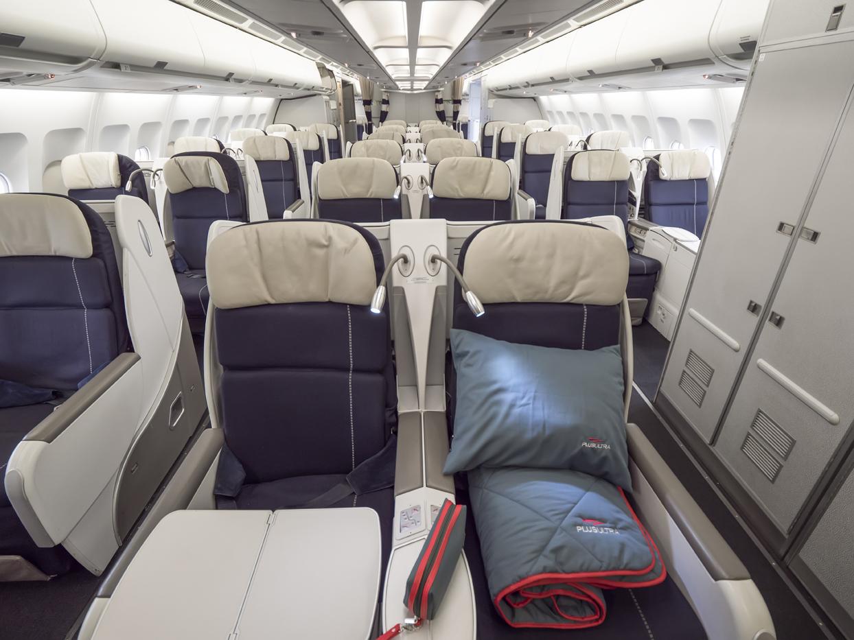 Plus Ultra Líneas Aéreas es una compañía española fundada en el año 2011, que despega por primera vez en junio de 2015.