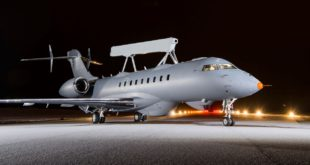 globaleye-on-runway-3-col