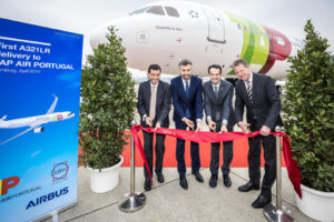A321LR-TAP-Delivery-ribbon-cutting