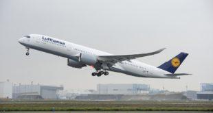 A350_XWB_Lufthansa_first_flight_-_take_off