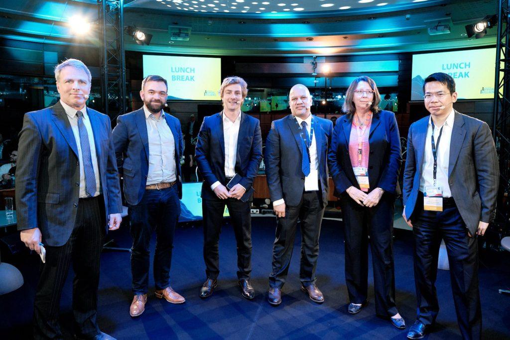 De izquierda a derecha: Graham Katz,Joh Hurley, Léonard Bouygues,  Ray Pinto, Françoise Soulie Fogelman, Daniel L. Chen. Foto: Eurocontrol