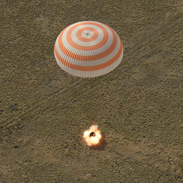 Aterrizaje de la cápsula Soyuz MS-11 de la Expedición 59 en Zhezkazgan, Kazakhstan. Foto: NASA/Bill Ingalls