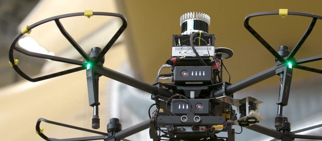 El dron está equipado con sensores y cámaras de alta definición.