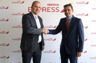 Pie de Foto: Miguel del Moral, director general de European Flyers, y Carlos Gómez Suárez, director de Producción de Iberia Express