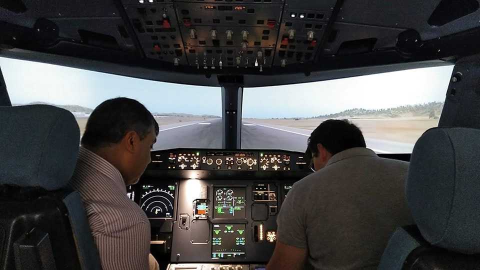 Uno de los FFD del A320 de Simloc a punto de comenzar un vuelo de pruebas.