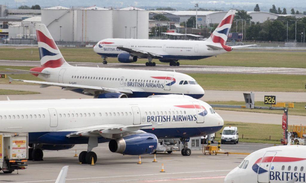 Aviones de British Airways en el Aeropuerto de Heathrow. Foto: Steev Parsons