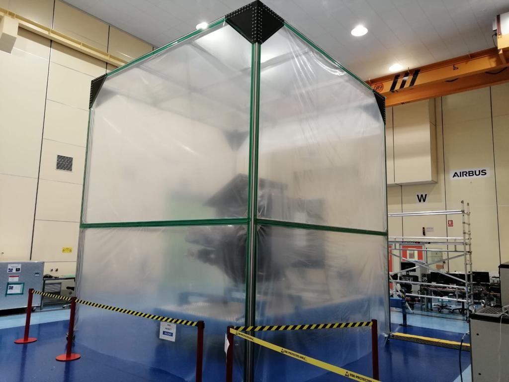 sala limpia satélite ingenio