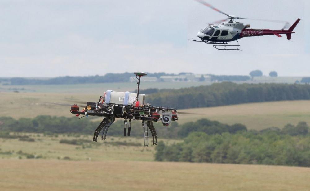 trabajo en equipo entre un medio aéreo y un dron