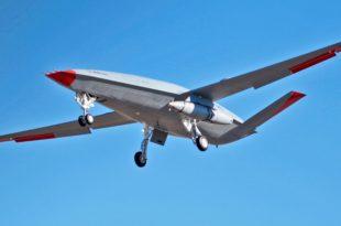 MQ-25 Stingray T1 con un sistema llamado Cobham ARS (Aerial Refueling Store),
