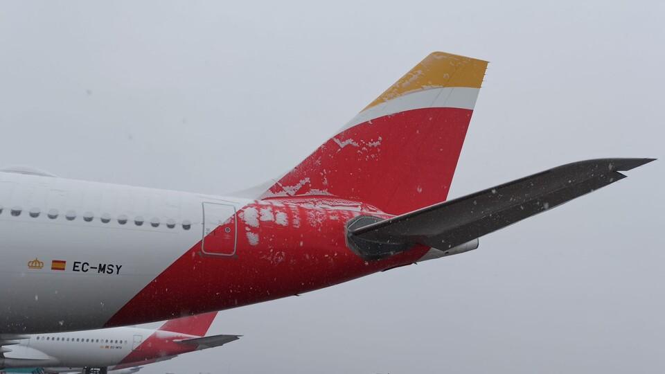 Iberia vuelve a operar con limitaciones
