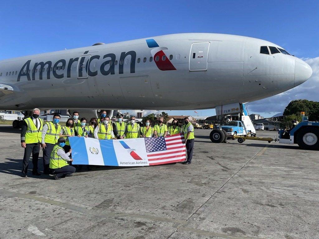 American Airlines sigue transportando vacunas del COVID-19 a Guatemala