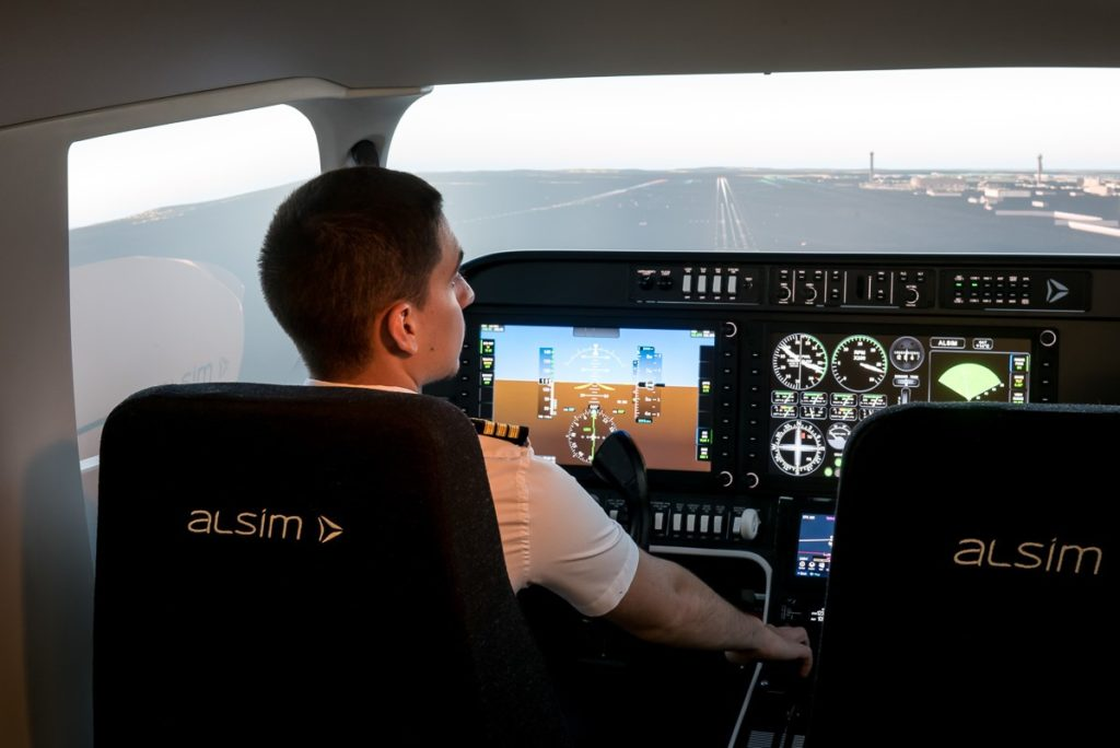 ALSIM AL250 GoldWings Flight Academy