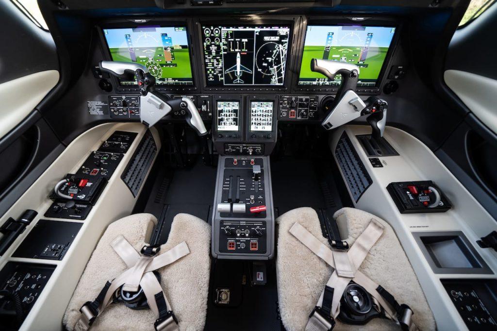 FFS-Phenom 300